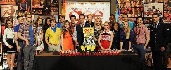 Glee-Cast-Celebrates-100-Episodes
